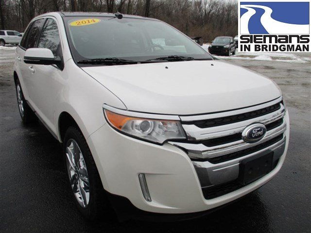 Pre Owned  Ford Edge Limited Fwd