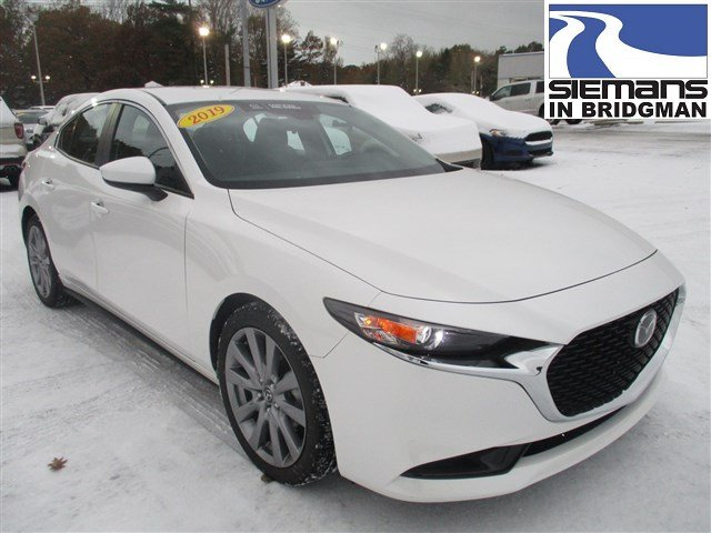 Certified Pre-Owned 2019 Mazda3 4 Door w/Select Pkg