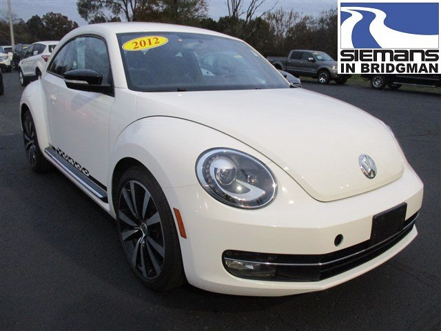 Pre-Owned 2012 Volkswagen Beetle 2.0T Turbo