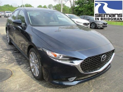 New 2019 Mazda3 4 Door w/Preferred Pkg